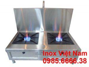 Inox đang là nguyên liệu chính sản xuất bếp hầm đôi loại có gáy