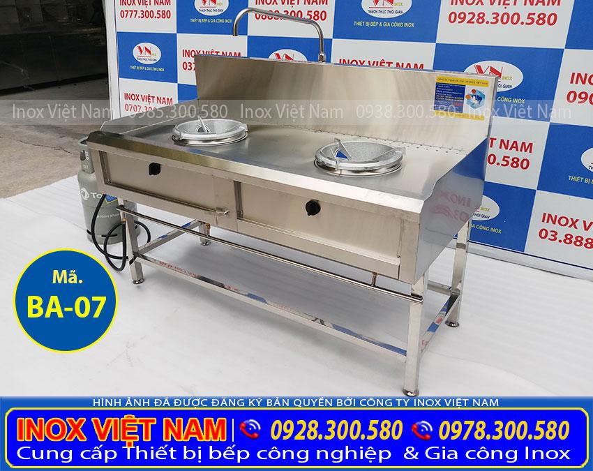 IVN sản xuất Bếp công nghiệp 2 họng, bếp á kiềng tô nổi hoặc chìm theo yêu cầu khách đặt. Liên Hệ Inox Việt Nam ngay.