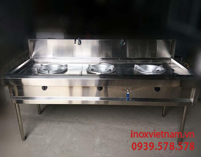 Bếp á 3 họng đốt sản phẩm không thể thiếu trong khu bếp công nghiệp
