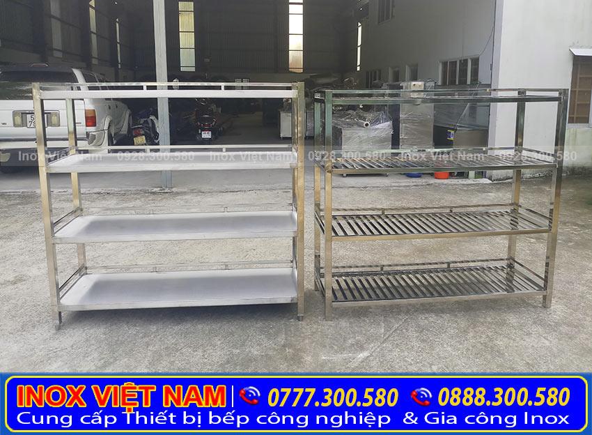 Kệ bếp inox 4 tầng , kệ để bát đĩa 4 tầng sản xuất inox 304 có độ bền cao và sáng bóng.