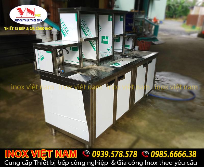 Các mẫu Quầy bar trà sữa inox, quầy bar cafe inox 304 được ưa chuộng sử dụng.