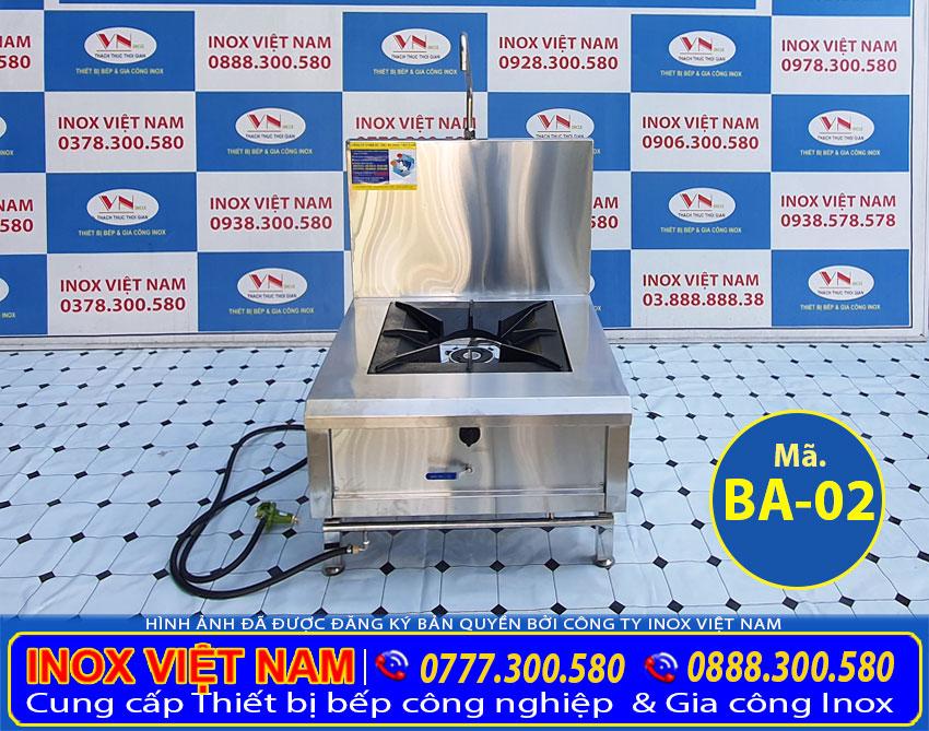 Bếp Á hầm đơn có gáy được làm bằng inox 304, vật liệu tốt nhất với độ dày là 1.0 m