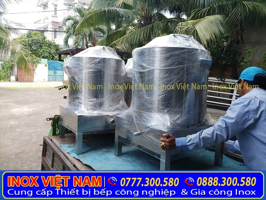 Hình ảnh thật tế giao hàng tận nơi tại Bệp Inox Việt Nam