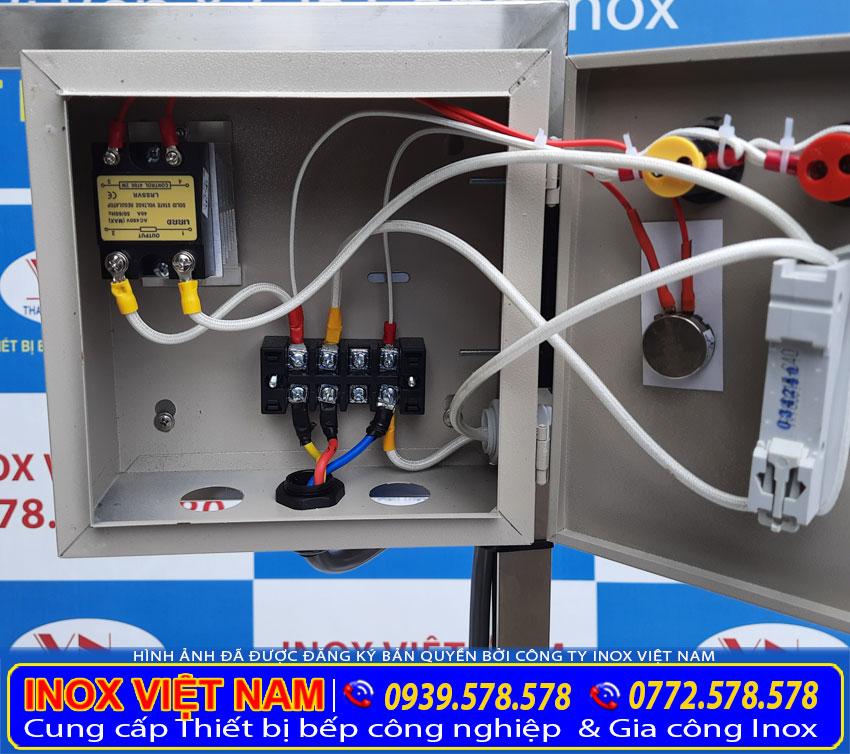 Hộp điện điều khiển nồi hầm xương thiết kế rời, hiện đại và thông minh.