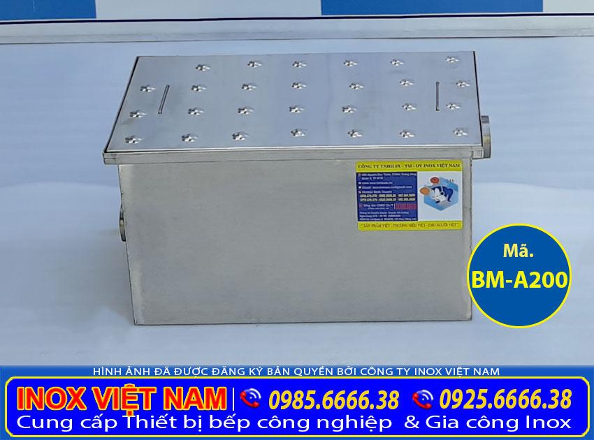 Bể tách mỡ inox công nghiệp, bẫy mỡ inox âm sàn, hộp lọc dầu mỡ inox 304 cao cấp và sang trọng sản xuất Bếp Việt Cường Thịnh.