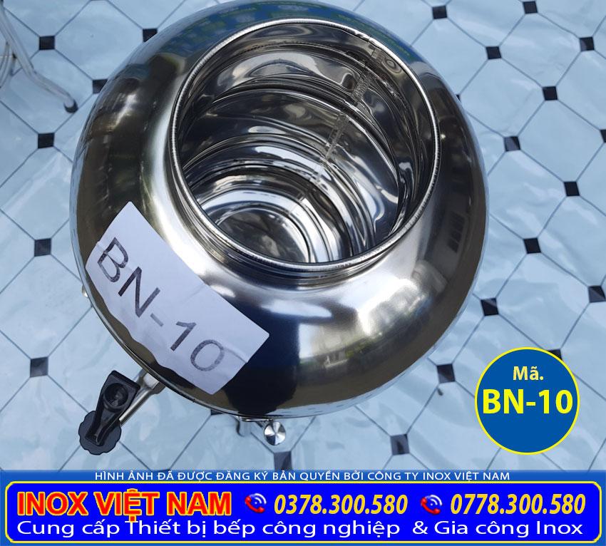 Bình nước đá inox sản xuất chất liệu 304 dày 5 zem, có độ bền cao, chịu nhiệt tốt.