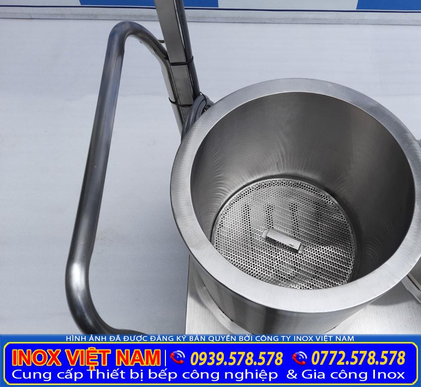 Bộ nồi nấu phở sản xuất bằng inox 304, có độ bền cao, chịu nhiệt tốt.