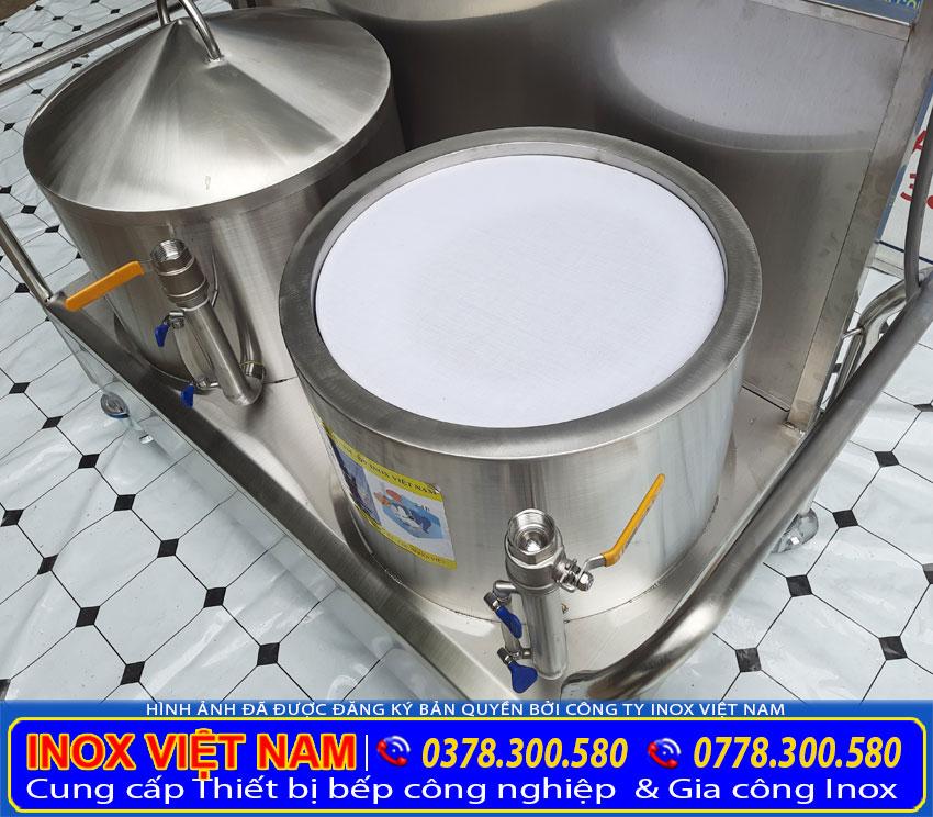 Bộ nồi tráng bánh cuốn bằng điện sản xuất bằng inox 304, có độ bền cao, chịu nhiệt tốt.