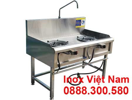Mẫu bếp á công nghiệp 2 họng, bếp gas công nghiệp 2 họng thấp áp có vòi xả nước.